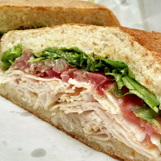 image of a turkey sandwich